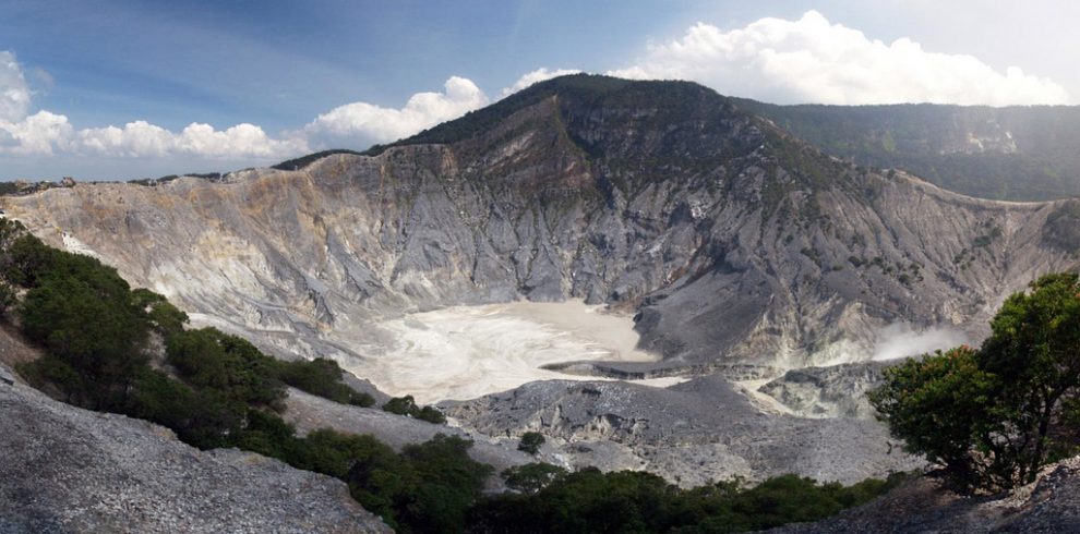 tangkuban-perahu-mountain (1)